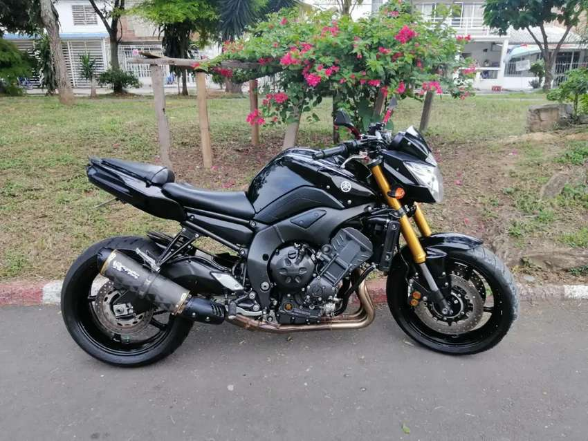 Yamaha FZ8 0