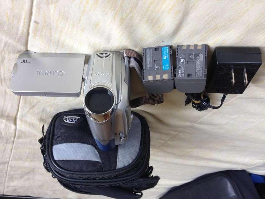 Video cámara Canon ZR800 NTSC 0