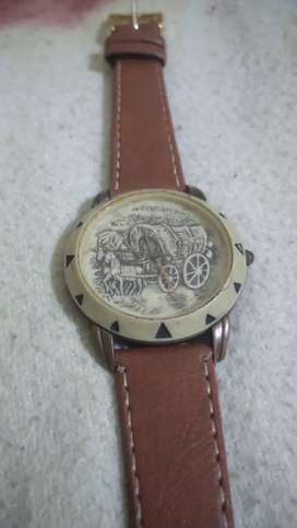 Reloj con frente ceramico