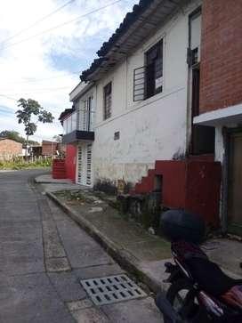 Casa antiguay muy grande  barrio Arboleda