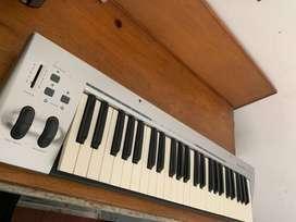 Controlador midi m-audio 49 key. SÓLO VENTA NO PERMUTO