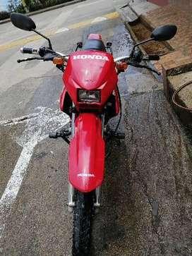 Honda bros (NXR) modelo 2005, transito envigado. Traspaso inmediato