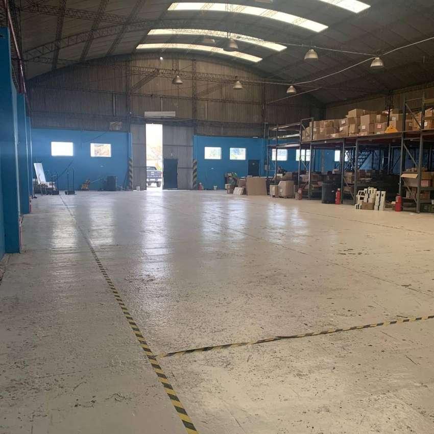 Alq Predio 10.000 m² C/ Oficinas y Showroom - Av del Libertador 3100 - V de Mayo - Malvinas Arg 0