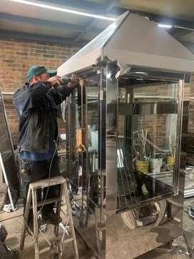 !!! PROMOCION !!! Vendo asador de carnes a la llanera en acero cabinado con diferencial nuevo negociable