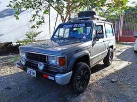 Vendo vehículo todo terreno en muy buenas condiciones mecánicas, precio negociable.
