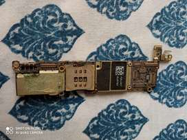 Placa de iPhone 5S para repuesto.