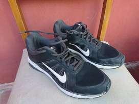 Zapatilla Nike Dart XII Talle 42,5