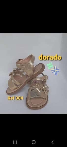 Sandalia de niña en oferta