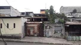 Terreno sólo tiene construido la frentera y un cuarto de 3x3 el terreno  es de 8x15 calle principal