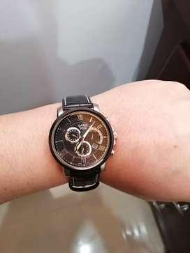 Vendo reloj casio bem-507bl-1a