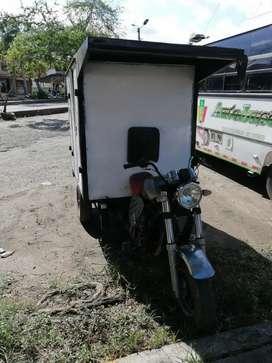 Se vende moto carro encavinado