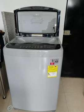 Lavadora LG de 40 libra de capacidad. Precio negociable