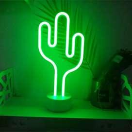 Lampara LED cactus neon