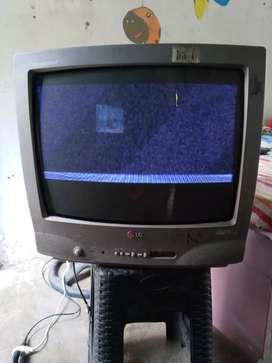 Vendo Tv convencionales con el detalle de verticales pero asi se puede ver canales precio de reparacion 20.000