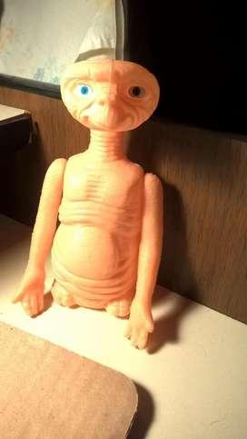 muñeco E. T.