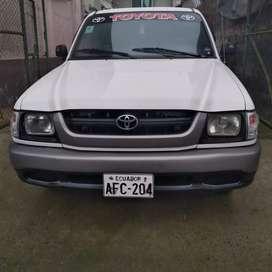 Vendo Toyota stout ll 2004 negociable