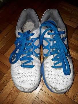 Zapatillas Nike Emerge 23.5 Cm
