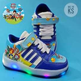 Calzado de luces para niñas y niños