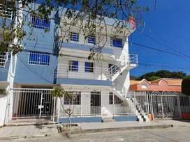 Edificio + 1 casa