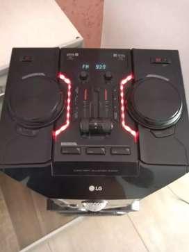 Vendo! Equipo de sonido LG OM 7560