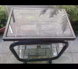 Mesa de TV -CAÑO Y VIDRIO movible