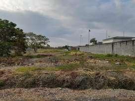 Venta de terreno en El Cortijo, frente Colegio Menor de 2100m2
