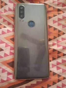 Vendo Motorola one action liberado