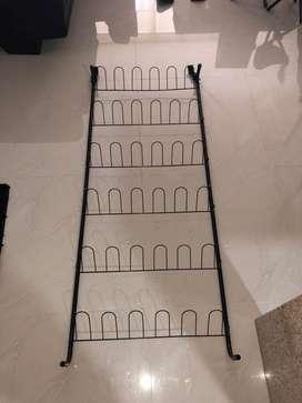 Organizador vertical de zapatos.