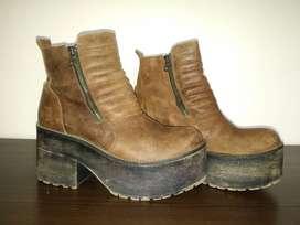 Botas con plataforma color marrón8