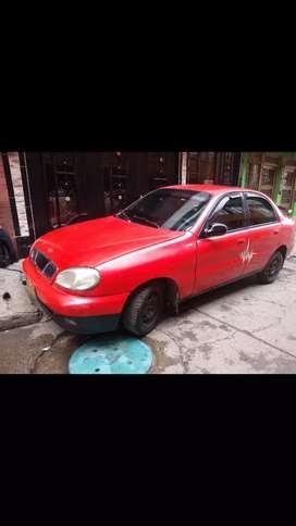 Vendo o permuto Daewoo lanos modelo 99 seguro y técnico nuevos no tiene traspaso debe impuestos