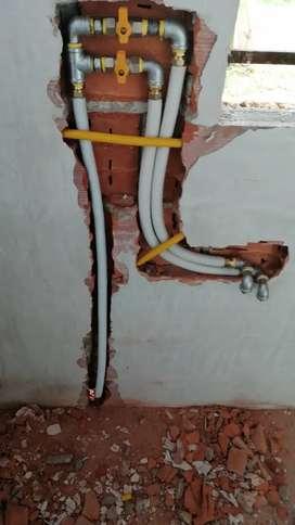 Revisión preventiva de gas natural con equipo detector de fugas y monóxido de carbono. Personal certificado por el Sena