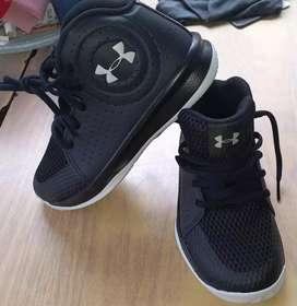 zapatos originales para niño marca * UNDER ARMOUR*