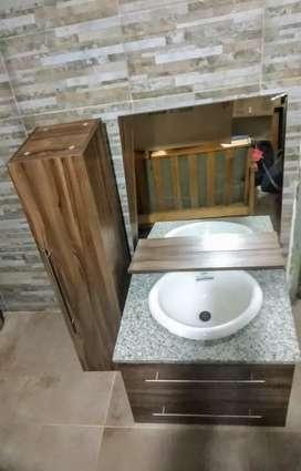 Combo vanitoy con mesada de marmol + espejo + tualleri