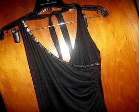 vestido precioso  S- M tipo solera, con bordado