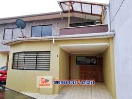 Acogedora casa de venta dentro de condominio, Av. de la Américas, cuenca, C594