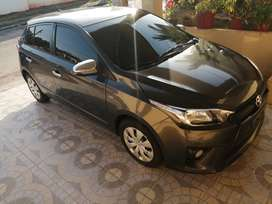 VENDO TOYOTA YARIS HATCHBACK 2015