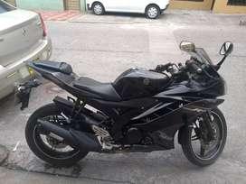 Vendo Moto Yamaha R15/2013