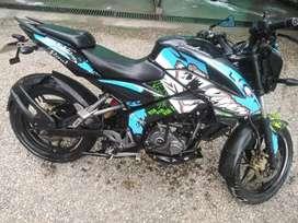 Se vende moto pulsar 160 único dueño.