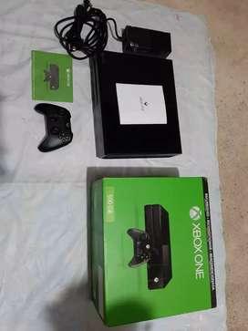 XBOX ONE NUEVO (un mes de uso)