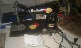 Maquina de cocer con pedal