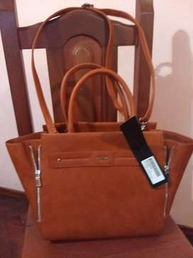 Cartera Ginger Prune Nueva