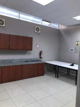 Renta de Oficina Ubicado en Parque Empresarial Colon.