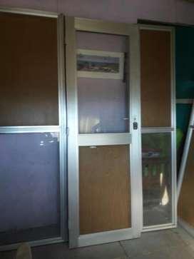 Ventanales de Aluminio con Puerta Y Vent