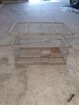 Muy buena jaula para pájaros