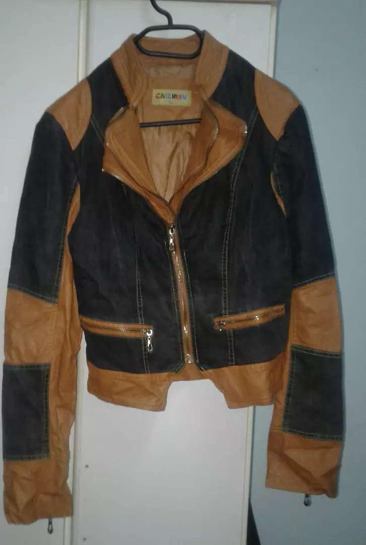 Campera de cuero con tela de jeans talle M L nueva 0