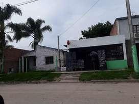 VENDO CASA CON LOCAL