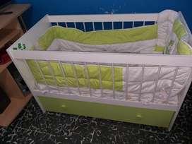 Cuna  para Bebés con cajonera de ropa colchon y chichonera