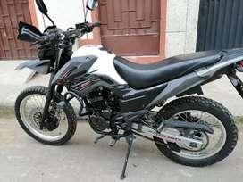 VENDO Moto AKT  TTR200 COMO NUEVA