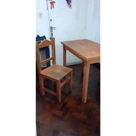 Mesa y dos sillas pino