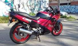 Honda cbr 450 sr  Año 93